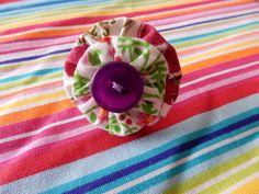 Bague réglable fleurs tissus violet/vert : Bague par crea-laura