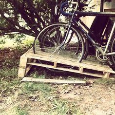 14 Ways of Reusing Old Wooden Pallets as Bike Racks Terraces & Patios