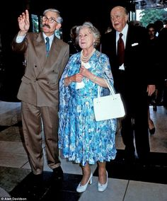 Sir Roy with the Queen Mother at the opening of the Pirelli Garden at the Victoria & Alber...