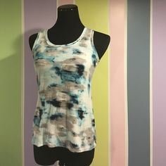 Simply Vera Tie Die Size xs. Like new (aside from tiny tiny tiny hole noted in 3rd pic) grey, blue and white tie die pattern. So pretty! Simply Vera Vera Wang Tops Tank Tops
