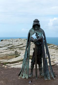 Skulpturen King Arthur Statue, Cornwall, UK How to Build a Simple Potting Bench The potting bench th Roi Arthur, Art Disney, Family Days Out, 3d Prints, Dark Fantasy, Oeuvre D'art, Sculpture Art, Cool Art, Places To Go