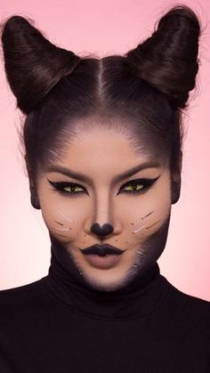 Got last-minute Halloween plans? These 21 easy Halloween hairstyles are about to save the day. From a unicorn ponytail to a super-cute elf pixie cut, we found a Halloween hair idea for every vibe. Cat Halloween Makeup, Maquillaje Halloween, Halloween Looks, Black Cat Makeup, Eye Makeup, Mehron Makeup, Makeup List, Black Cat Costumes, Leave In