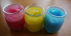 2 tasses de maïzena que l'on mélange avec 1 tasse d'eau froide. Puis on rajoute 4 tasses d'eau bouillante.