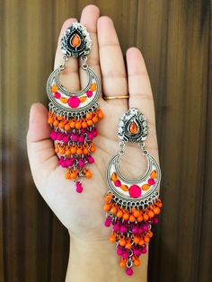 Simple Fashion Tips .Simple Fashion Tips Indian Jewelry Earrings, Indian Jewelry Sets, Jewelry Design Earrings, Gold Earrings Designs, Ear Jewelry, Cute Jewelry, Antique Jewellery Designs, Fancy Jewellery, Stylish Jewelry