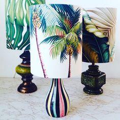 Retro table lamp with palm tree barkcloth shade