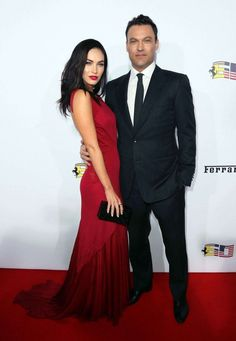 Megan Fox Wore Long Red Dress With Ferrari On the Red Carpet in Beverly Hills, Incendiary and glamorous in her long dress open in the back, Hollywood bomb targeted a fiery red lips. Impossible for Brian Austin Green to resist such charm …