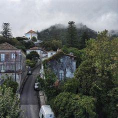 Вот чего мне дома не хватает, так это вида из окна. Люблю смотреть на мир сверху  #marina_giller_portugal #sintra