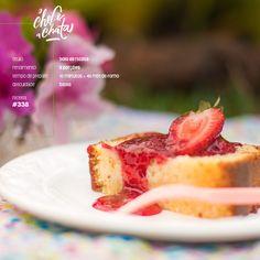 bolo de ricota com calda de frutas vermelhas