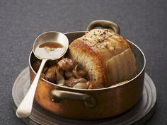 Schweinebraten mit Kastanien ist ein Rezept mit frischen Zutaten aus der Kategorie Schwein. Probieren Sie dieses und weitere Rezepte von EAT SMARTER!