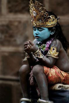 India ~ Child is dressed and face painted to imitate Lord Shiva.- Little Krishna We Are The World, People Around The World, Around The Worlds, Yoga Studio Design, Cultures Du Monde, World Cultures, Beautiful World, Beautiful People, Beautiful Pictures