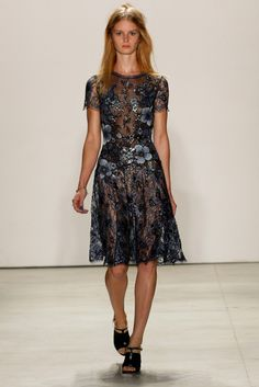 Jenny Packham S/S '16 Office Fashion Women, Fashion Tv, Womens Fashion For Work, Work Fashion, Couture Fashion, Runway Fashion, Fashion 2016, Fashion Weeks, Business Casual Dress Code