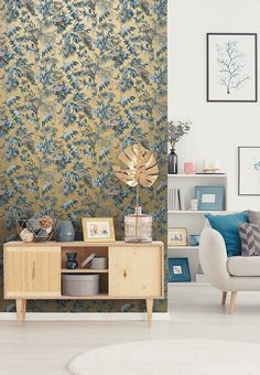 Yellow in décor is happy and chic! Yellow wallpaper dresses your home in sunny hues of optimism, providing an unexpectedly stylish compliment to white, neutrals, wood, and other colors. Blue And Gold Wallpaper, Metallic Wallpaper, Wallpaper Decor, New Wallpaper, Wallpaper Ideas, Tropical Wallpaper, Under The Tuscan Sun, Piece A Vivre, Color Beige