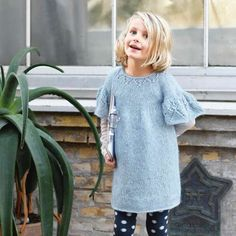 Hullmøsterkjole 1705DE-02 | Maschenfein :: Strickblog I Cord, Baby Kind, Knitting For Kids, Pullover, Tunic Tops, Women, Fashion, Butterfly Dress, Beautiful Models