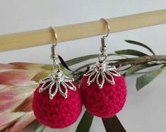 ShopCreativelySA on Etsy Red round crochet earrings Crochet Earrings, Etsy Seller, Christmas Ornaments, Trending Outfits, Holiday Decor, Unique Jewelry, Handmade Gifts, Shop, Red