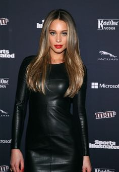 Hannah Jeter Photos - Hannah Davis attends the Sports Illustrated MVP Night With Lynn Swann And Jaguar At The Diageo Liquid Cellar on January 2014 in New York City. - Arrivals at Sports Illustrated MVP Night Hannah Davis Sports Illustrated, Sports Illustrated Models, Hannah Davis Jeter, Hannah Davis Hot, Derek Jeter, Leather Dresses, Brunette Hair, Brunette Color, Blonde Hair