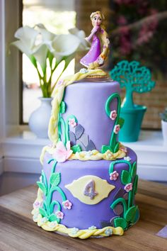 Rapunzel Disney Princess Cake $65, 3d cakes, birthday cakes, 2 tier princess cake.