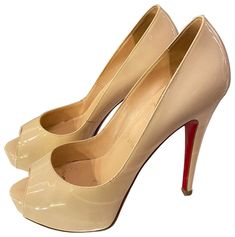 Louboutin Shoes Women, Christian Louboutin Shoes, Red Bottoms, Platform Pumps, Patent Leather, Zero, Peep Toe, Luxury Fashion, Ivory
