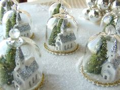Great idea for upcycling those cupcake domes for some fun holiday deco. Winter glitter scene, glass bell jars by Phil Grenyer Green Christmas, Christmas Items, Diy Christmas Ornaments, All Things Christmas, Christmas Home, Holiday Crafts, Vintage Christmas, Christmas Holidays, Christmas Bulbs