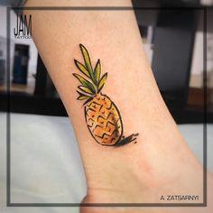 Pineapple+Tattoo+by+zatsarnyi_tattoo