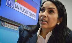 ¿Cómo fue la expresión de Delsa Solórzano al saludar a Maduro? (Foto)