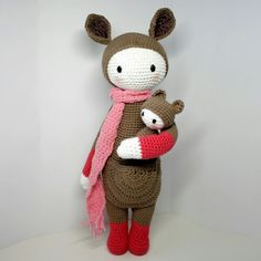 Kira the kangaroo made by @alisgurumi / crochet pattern by lalylala
