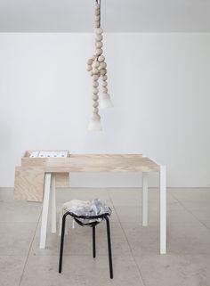 EARL Lampa. www.magasin-a.se/. 3999kr. 14.3cm x Längd 150cm. Märke: Llot Llov