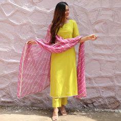 Simple Kurta Designs, Stylish Dress Designs, Kurta Designs Women, Designs For Dresses, Stylish Dresses For Girls, New Kurti Designs, Salwar Designs, Lehenga Designs, Comfy Dresses