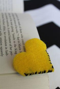 How to make felt heart bookmarks by Célèste of Fashion is Evolution, via Flickr