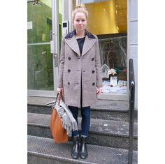 黒のブーティの合わせ方は? 最新のNYスナップをお届け。|ファッション(流行・モード)|VOGUE JAPAN Short Boots Outfit, Raincoat, Jackets, Inspiration, Outfits, Fashion, Rain Jacket, Down Jackets, Biblical Inspiration
