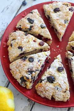 Weight Watchers Lemon Blueberry Scones – BEST WW Recipe – Breakfast – Treats – Snack with Smart Points Source by dermpatty Weight Watchers Muffins, Weight Watchers Breakfast, Weight Watchers Desserts, Ww Recipes, Cooking Recipes, Free Recipes, Yogurt Recipes, Easy Cooking, Dinner Recipes