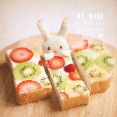 키위&딸기 샌드위치