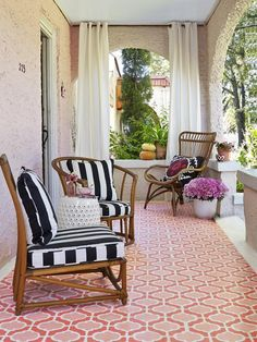 Paint a trellis pattern on the floor to look like a patterned rug using outdoor porch and floor enamel (Try PPG Floor & Porch) Porch And Floor Enamel, Hardscape Design, Monochromatic Color Scheme, Porch Flooring, Small Outdoor Spaces, Interiors Magazine, Exterior Remodel, Outdoor Furniture Sets, Ideas