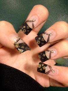 Black & Gold Design French Nails ✨¸. Great Nails, Fabulous Nails, Gorgeous Nails, Perfect Nails, French Nails, French Pedicure, Hot Nails, Hair And Nails, Louis Vuitton Nails