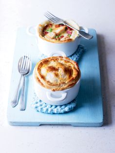 Perfect for a midweek meal - this chicken recipe is made by using a batch of the pre-prepared, frozen Creamy chicken recipe. Chicken And Leek Pie, Creamy Chicken, Pie Recipes, Chicken Recipes, Cooking Recipes, Bacon Pie, Turkey Dishes, Batch Cooking, Food Inspiration