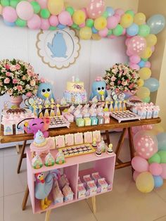 Tendência Decoração Festa Infantil 2019 GALINHA PINTADINHA Little Girl Birthday, Diy Birthday, 2nd Birthday Parties, Colorful Candy, Candy Colors, Kids Party Themes, Ideas Party, Birthday Decorations, Birthdays