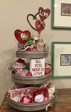 Cute DIY Valentine's Day Crafts Ideas 43 - Valentinstag Geschenkideen Valentines Day Dinner, Valentine Day Wreaths, Valentines Day Decorations, Valentine Day Crafts, Valentine Heart, Ideas For Valentines Day, Valentine Table Decor, Valentinstag Party, Valentine's Day Quotes