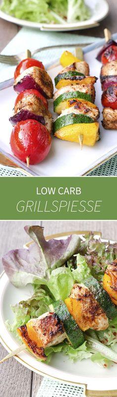Schnelle und einfache Low Carb Grillspieße mit Hähnchen, Paprika, Zucchini, Tomaten und Zwiebeln