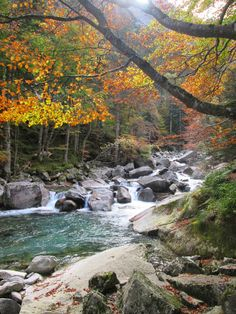 Following Waterfalls to Lac de Gaube from Cauterets - Hiking in the French Pyrenees - Ariege - near Andorra - Mountain Lakes