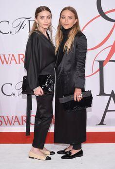 Pin for Later: Heute und damals: So hat sich der Stil der Stars entwickelt Mary-Kate und Ashley Olsen – heute Als Designerinnen von minimalistischer Kleidung und Oversize-Silhouetten haben sich die Zwillinge in der Modebranche einen Namen gemacht.