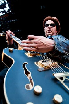 Music Icon, My Music, Tim Armstrong, Hello Nurse, Guitar Pics, Gretsch, My Friend, Friends, Punk Rock