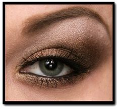 Smokey eye, browns. Cute!