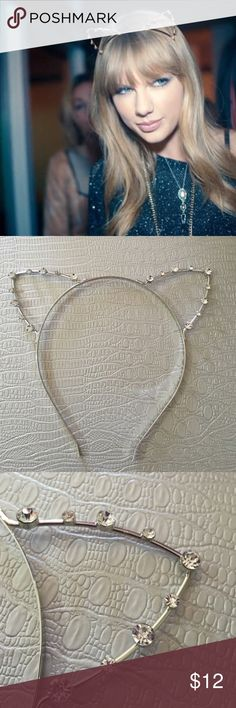 Buy one get one 50%Rhinestone cat ears headband Rhinestone cat ears headband, Super cute ;) 3 available. Thank you for stopping by! lots of lists buy one get one 50% Accessories Hair Accessories