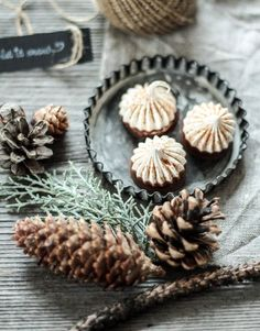 Weihnachtskekse Rezepte Yams, Meringue, Christmas Cookies, Cake Recipes, Stuffed Mushrooms, Favorite Recipes, Baking, Vegetables, Desserts