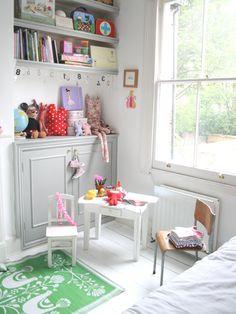 could be nice for family room Painted Floorboards, White Floorboards, Girls Bedroom, Childrens Bedroom, Bedrooms, Scandinavian Style Home, Teenage Room, Little Girl Rooms, Kids Decor