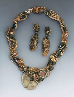 Sculptural Necklace with Earrings; via Aimee     from Seed Bead Jewelry Inspirations