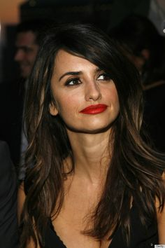 penelope cruz red lips