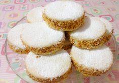 "'A deliziosa: 'a regginetta dint' 'a guantiera d""a dummenneca Italian Cookie Recipes, Italian Cookies, Italian Desserts, Bakery Recipes, Cooking Recipes, Ricotta, Biscotti Cookies, Mini Cakes, Vanilla Cake"