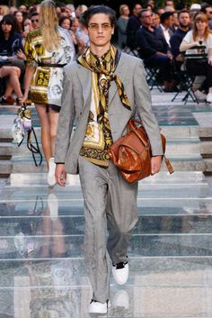 Versace Spring/Summer 2018 Menswear Collection | British Vogue