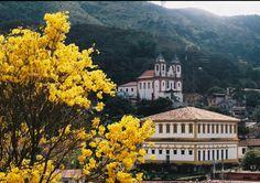 """Sabará -  Brasil - """"Sabará"""" é oriundo do termo tupi itá'berab'uçú (""""pedra grande brilhante""""), que designava a mítica """"serra das esmeraldas"""" procurada pelos bandeirantes."""