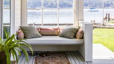 Get the cozy home of your dreams with these tips for creating a classic cottage look Lakeside Cottage, Cottage In The Woods, Cabins In The Woods, Porch Storage Bench, Porch Bench, Decorating Your Home, Cabin Decorating, Decorating Ideas, Decor Ideas